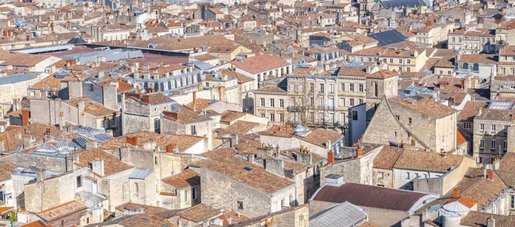 Vue sur les toits de Bordeaux